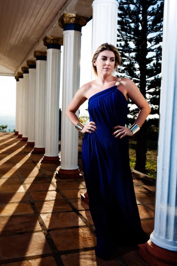 cris vallias vestido modelo grego victor dzenk