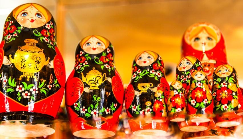 bonequinhas de madeira