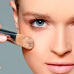 aplicar base facial
