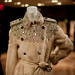 Trench Coats Burberry para Bergdorf Goodman - Cris Vallias Blog 1