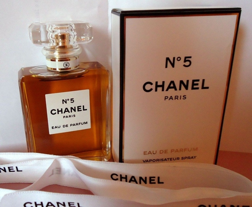 Perfume Chanel N 5 - Cris Vallias Blog