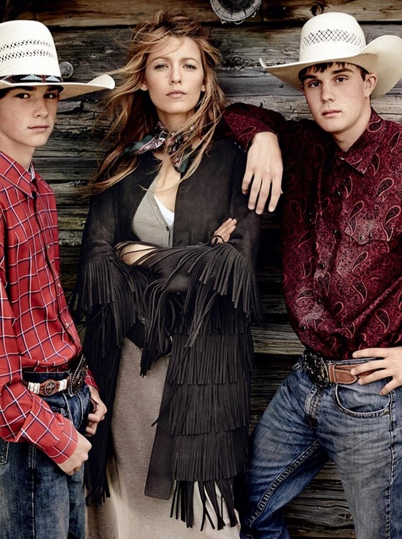 Blake Lively por Mario Testino na Vogue US Agosto 2014 - Cris Vallias blog 3