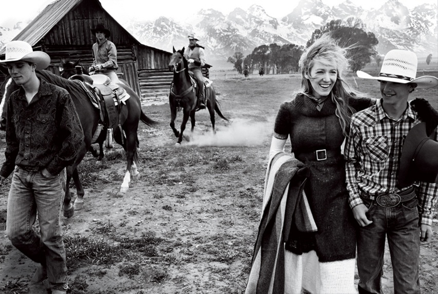 Blake Lively por Mario Testino na Vogue US Agosto 2014 - Cris Vallias blog 7