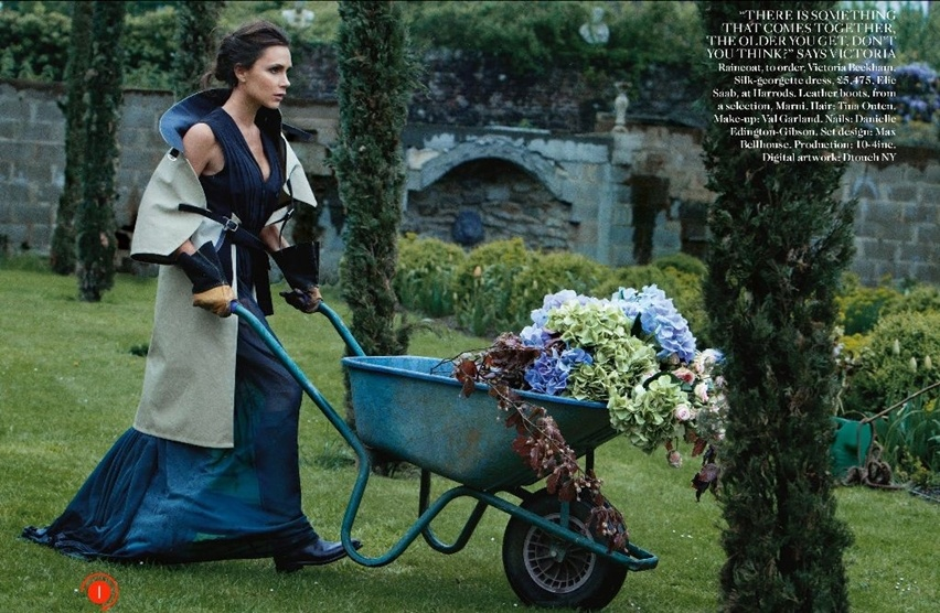 Victoria Beckham na Vogue UK Agosto 2014 - Cris Vallias Blog 2