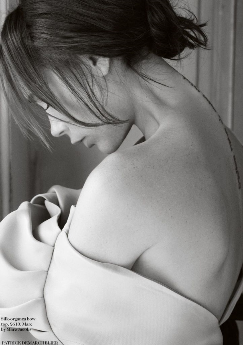 Victoria Beckham na Vogue UK Agosto 2014 - Cris Vallias Blog 4