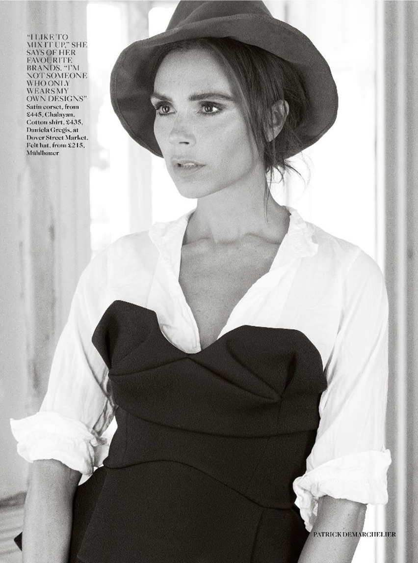 Victoria Beckham na Vogue UK Agosto 2014 - Cris Vallias Blog 5