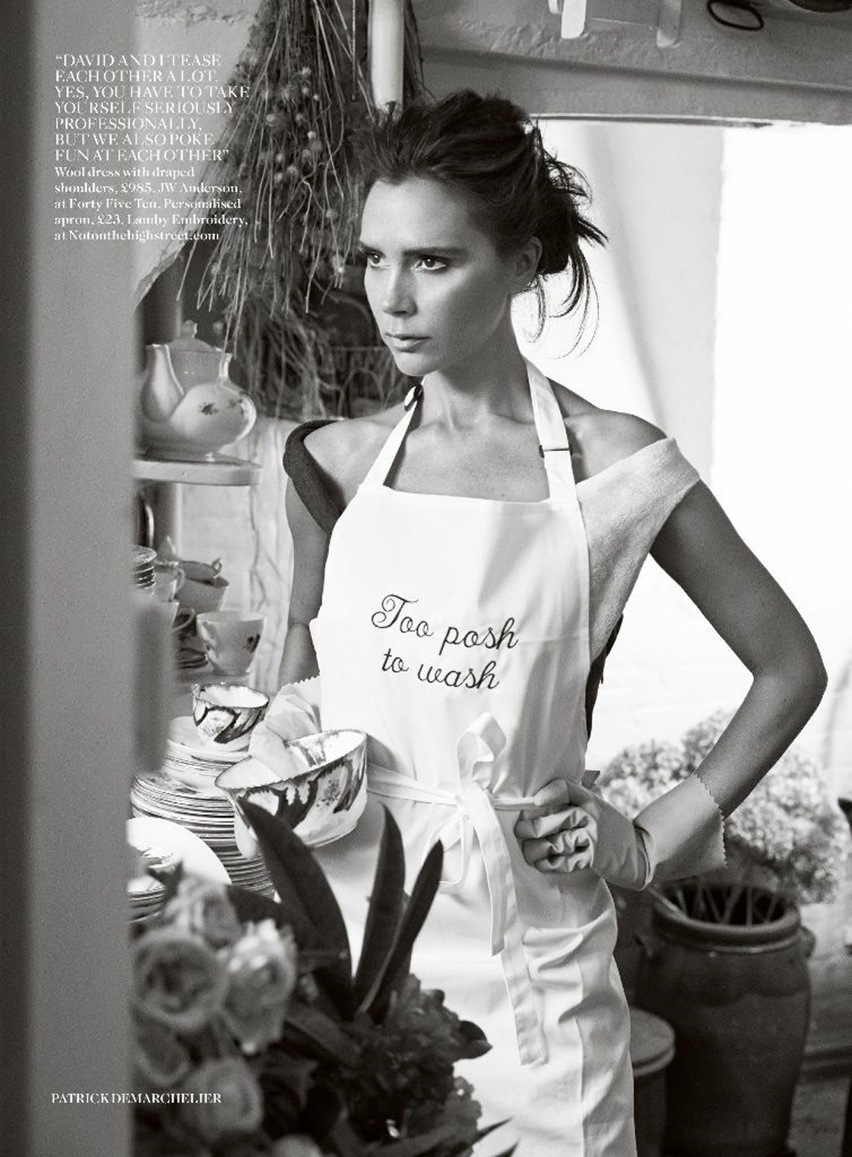 Victoria Beckham na Vogue UK Agosto 2014 - Cris Vallias Blog 9