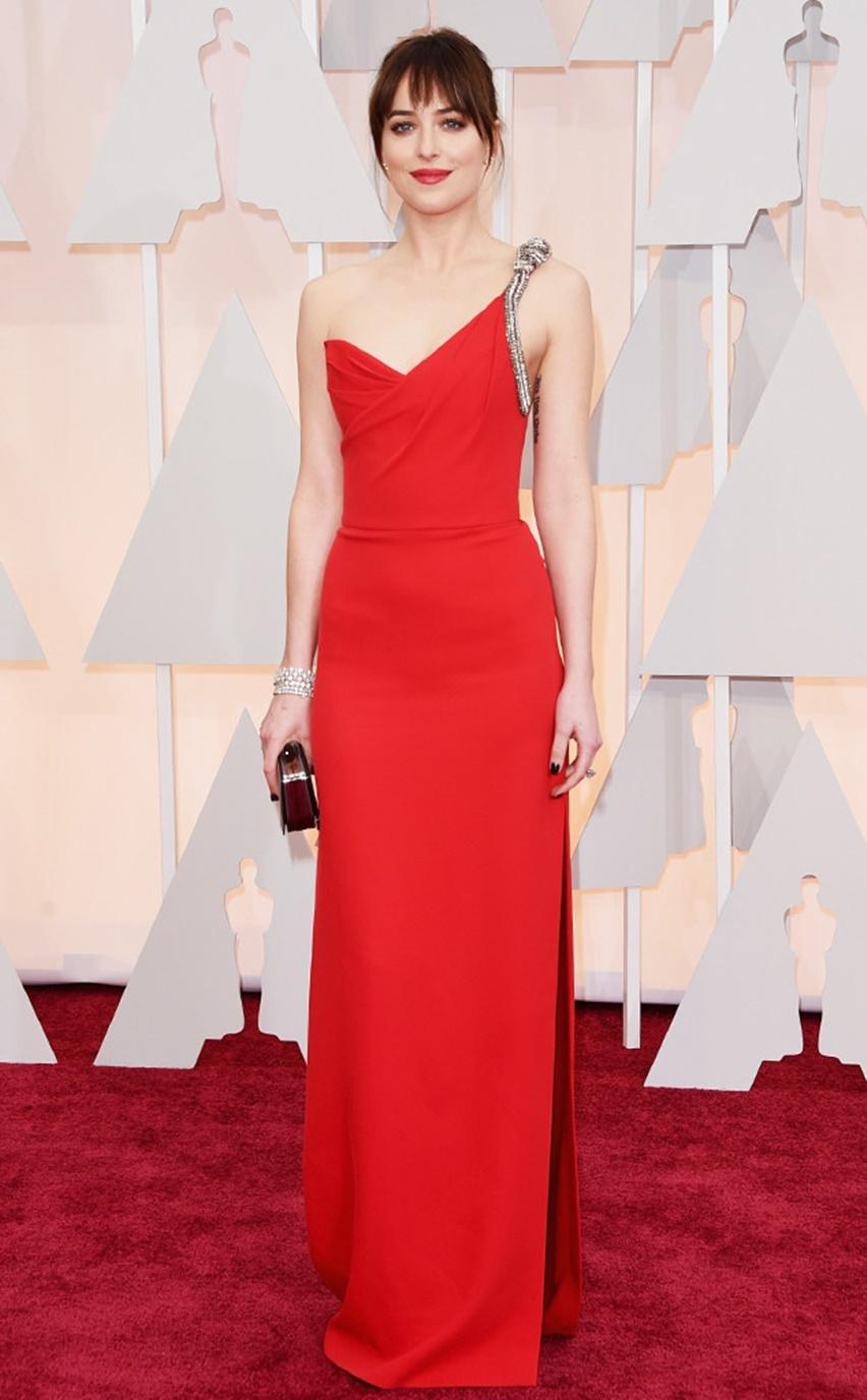 Dakota Johnson Oscar 2015 - Cris Vallias Blog 1