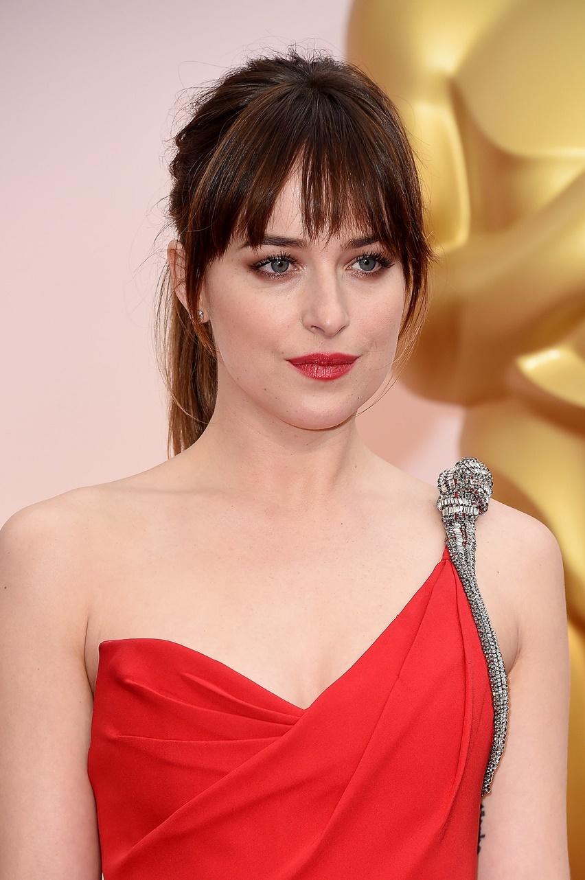 Dakota Johnson Oscar 2015 - Cris Vallias Blog 2