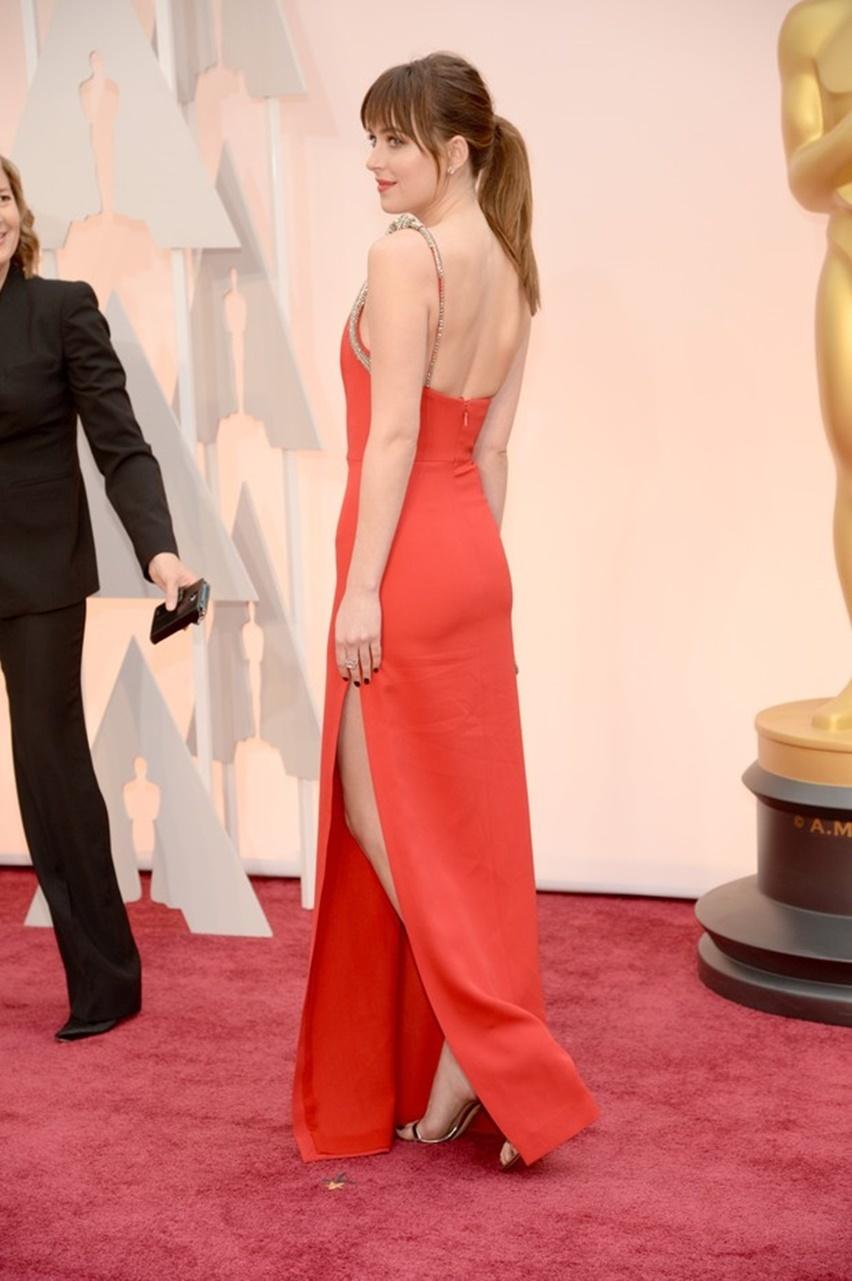 Dakota Johnson Oscar 2015 - Cris Vallias Blog 3