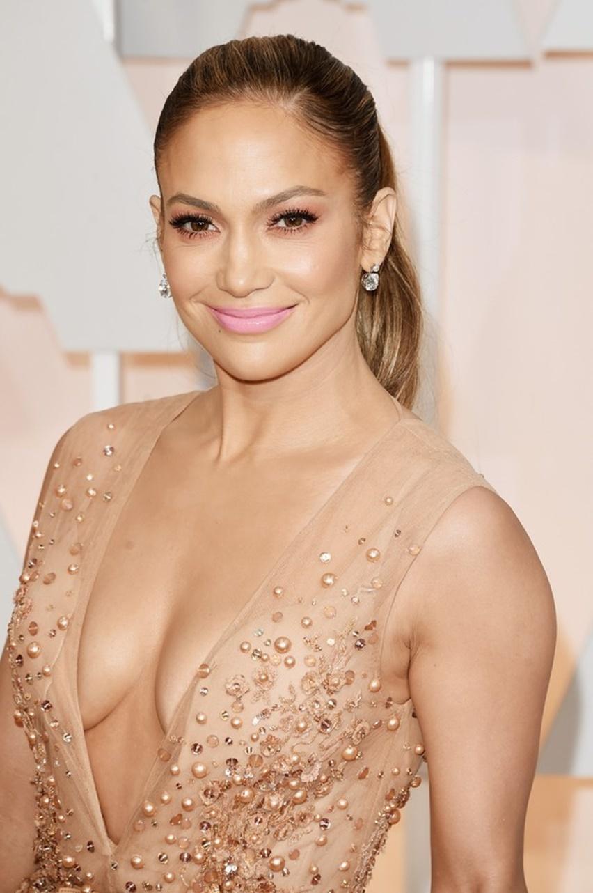 Jennifer Lopez Oscar 2015 - Cris Vallias Blog 3