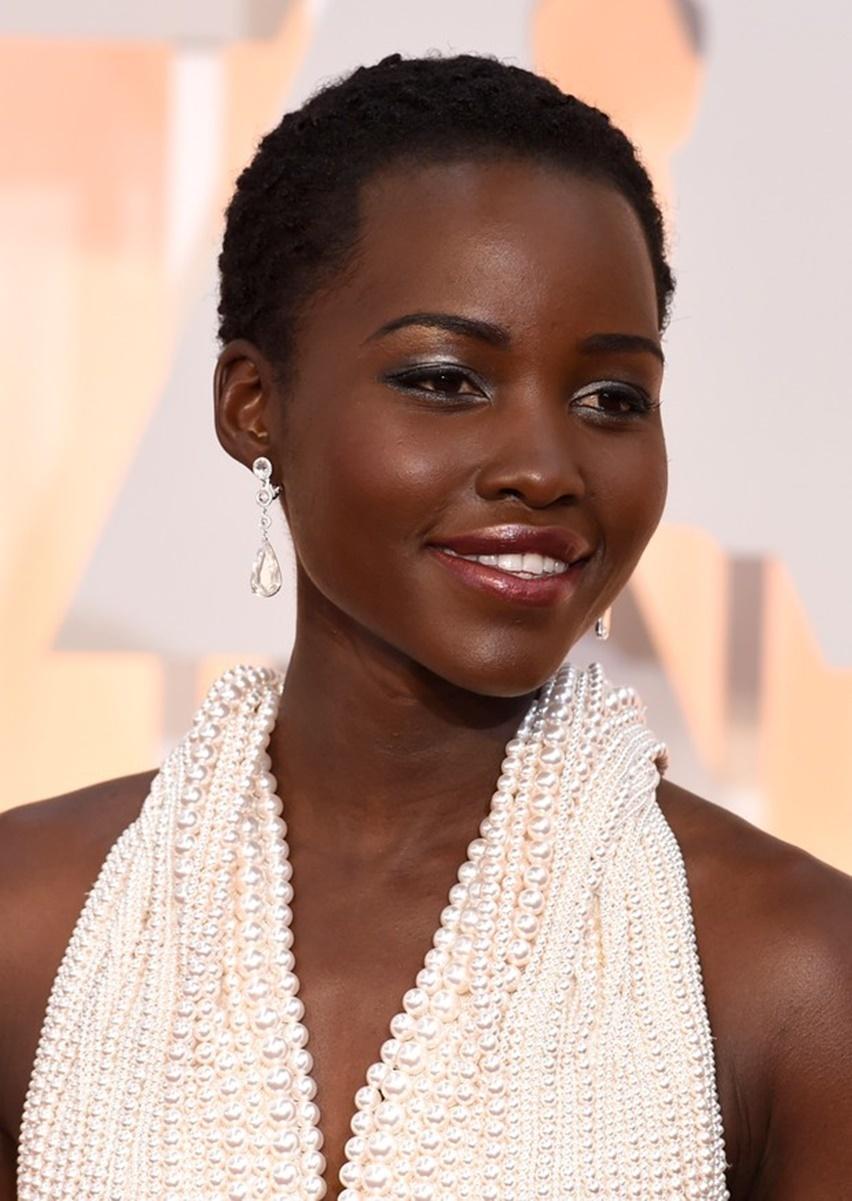 Lupita Nyong'o Oscar 2015 - cris vallias blog 1