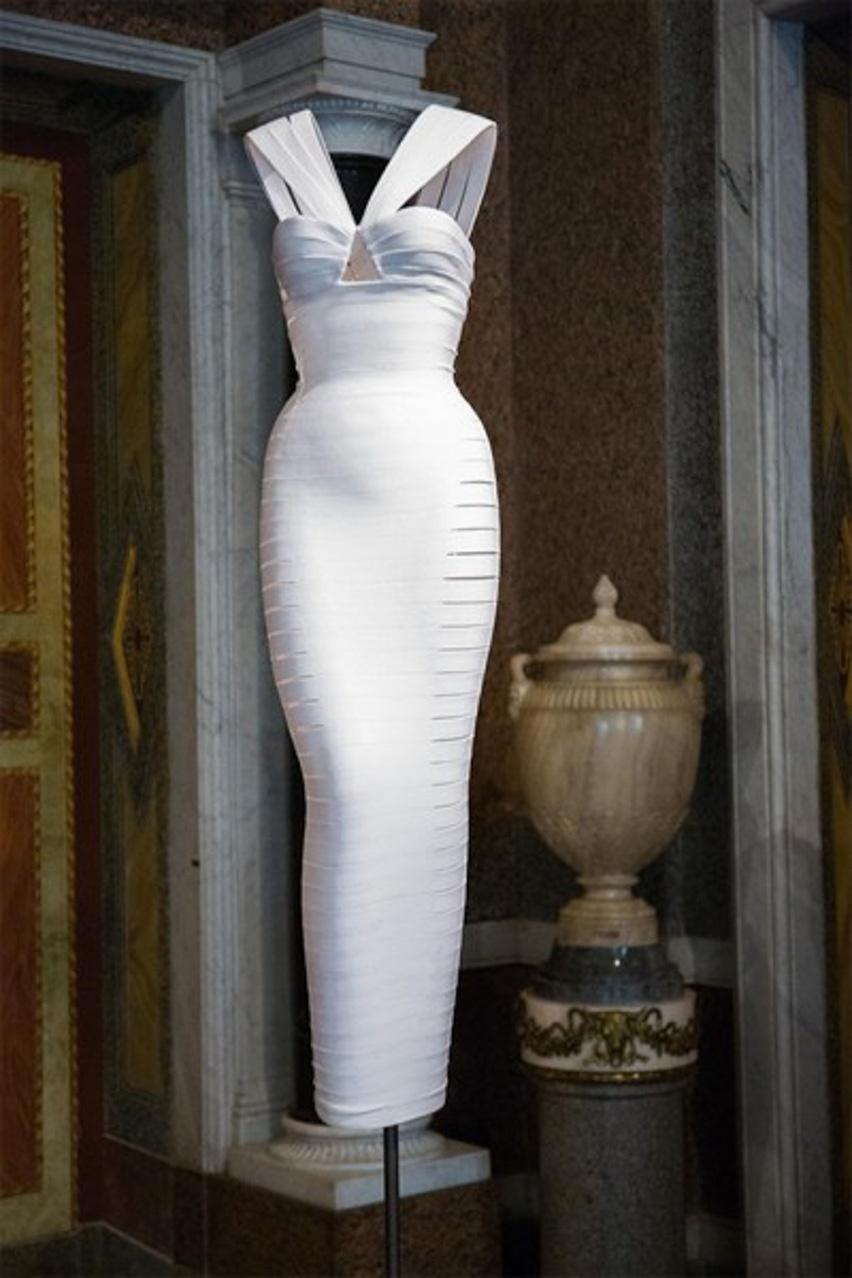 130715-azzedine-alaia-galleria-borghese-11-400x600-2