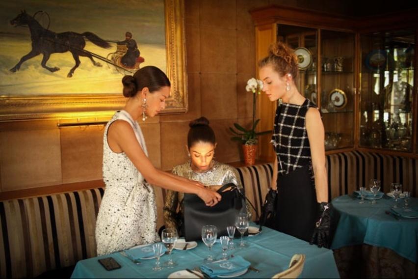 Une Incroyable Excuse Balenciaga fashion film - cris vallias blog