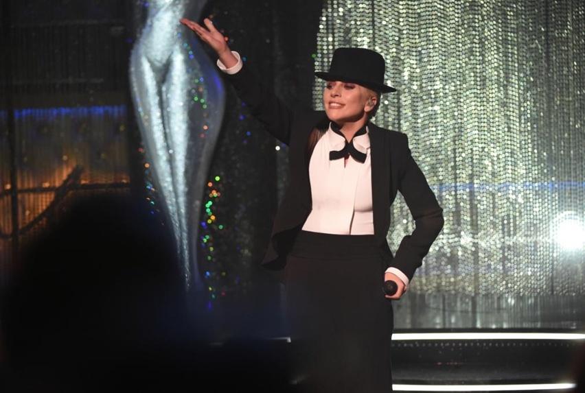 Lady Gaga perform Frank Sinatra